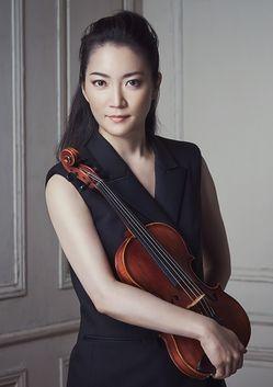 Акико Суванаи. Звезда мировой сцены