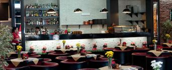 Ресторан Pro Sushi. Туапсе Сочинская, 2, ТРЦ «Красная площадь», 3 этаж